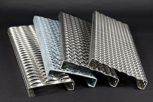 Blechprofilroste mit verschiedenen Oberflächenstrukturen